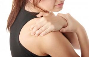 خشکی و گرفتگی شانه (شانه یخ زده) : علتها و درمان
