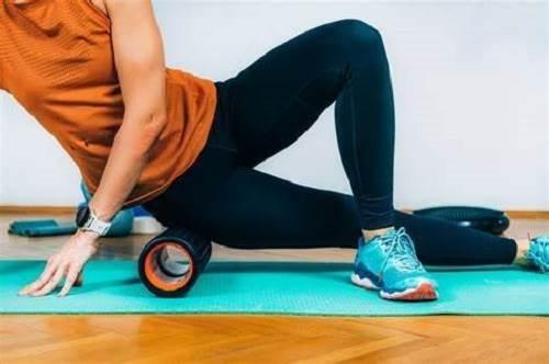 حرکت کششی با استوانه فومی جهت بهبود درد سیاتیک