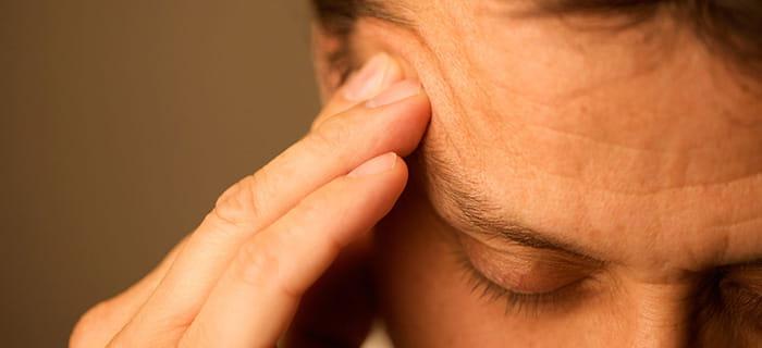 درمان سردردهای میگرنی با فیزیوتراپی و بیوفیدبک(کنترل عملکرد ذهن)