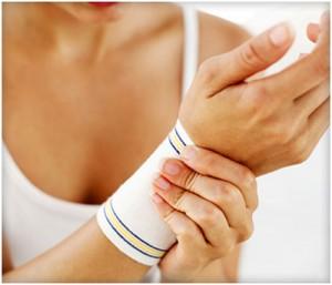 پیچ خوردن مچ دست (کشیدگی تاندونهای مچ دست): علت، علایم و درمان